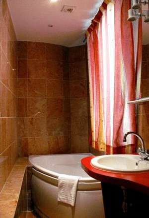 Picture of Superior Triple Room with Bath