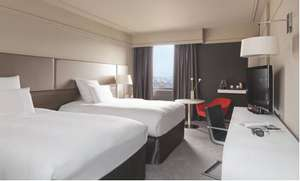 Picture of Deluxe Triple Room with Paris View