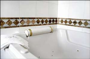 Picture of Junior Suite with Spa Bath